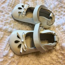 Robeez Mini Shoez 3-6 month white baby girl shoes